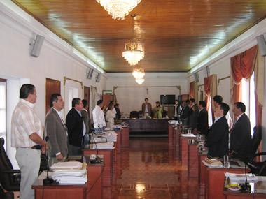 A las 12:20 m. se instalaron las sesiones extraordinarias en el concejo