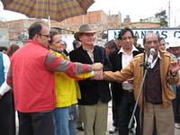 En Santo Domingo se estrecharon las manos de unión entre el Distrito y el Municipio de Soacha