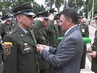 Graduandos de la Policía reciben reconocimiento del alcalde José Uriel González