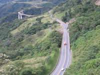 Paso restringido a vehículos con más de 4:30 metros en el Viaducto Sumapaz