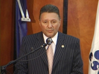 Alcalde comparte experiencias con egresados de la ESAP