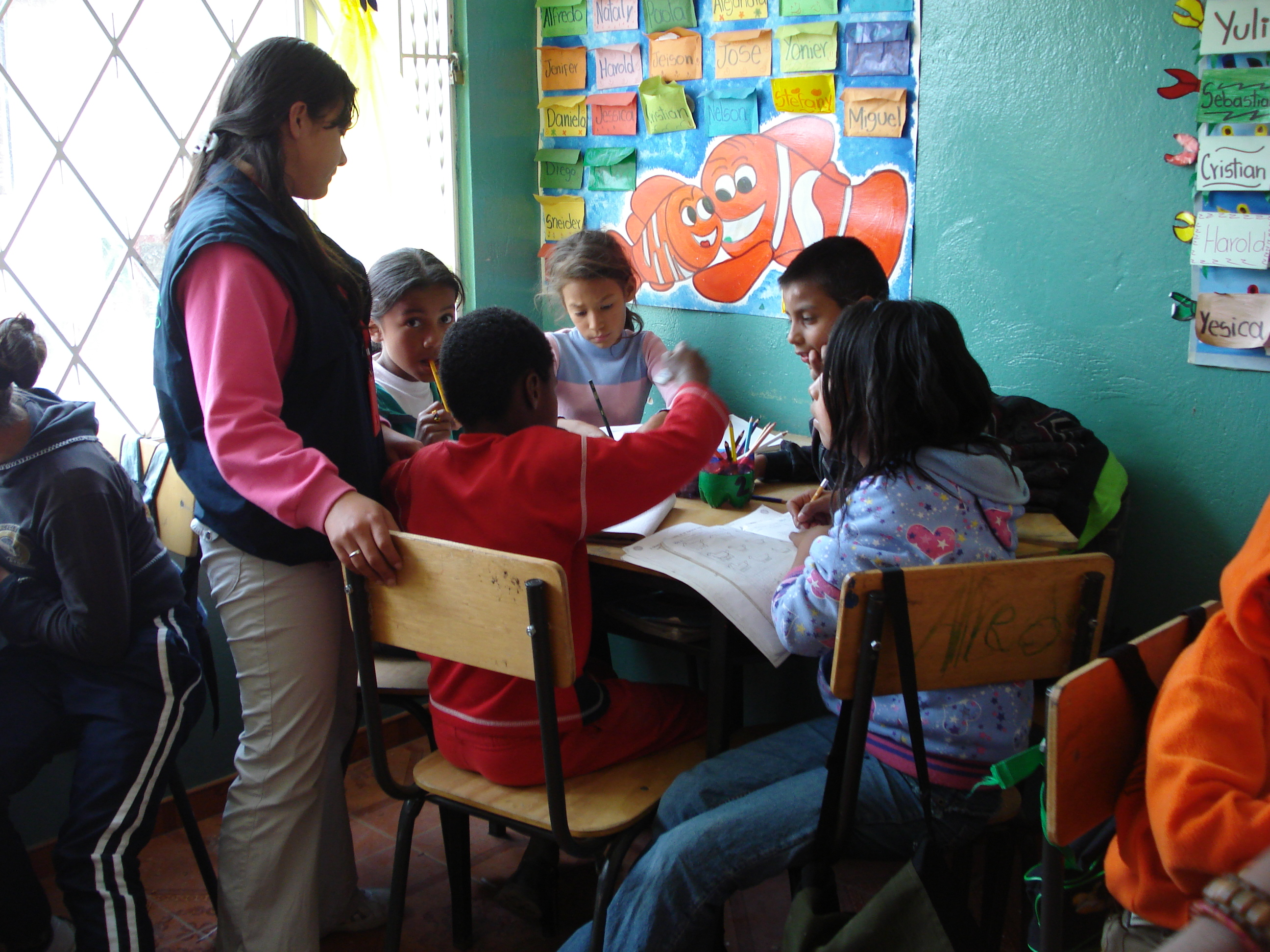 Los niños desescolarizados pueden terminar su primaria sin ningún costo