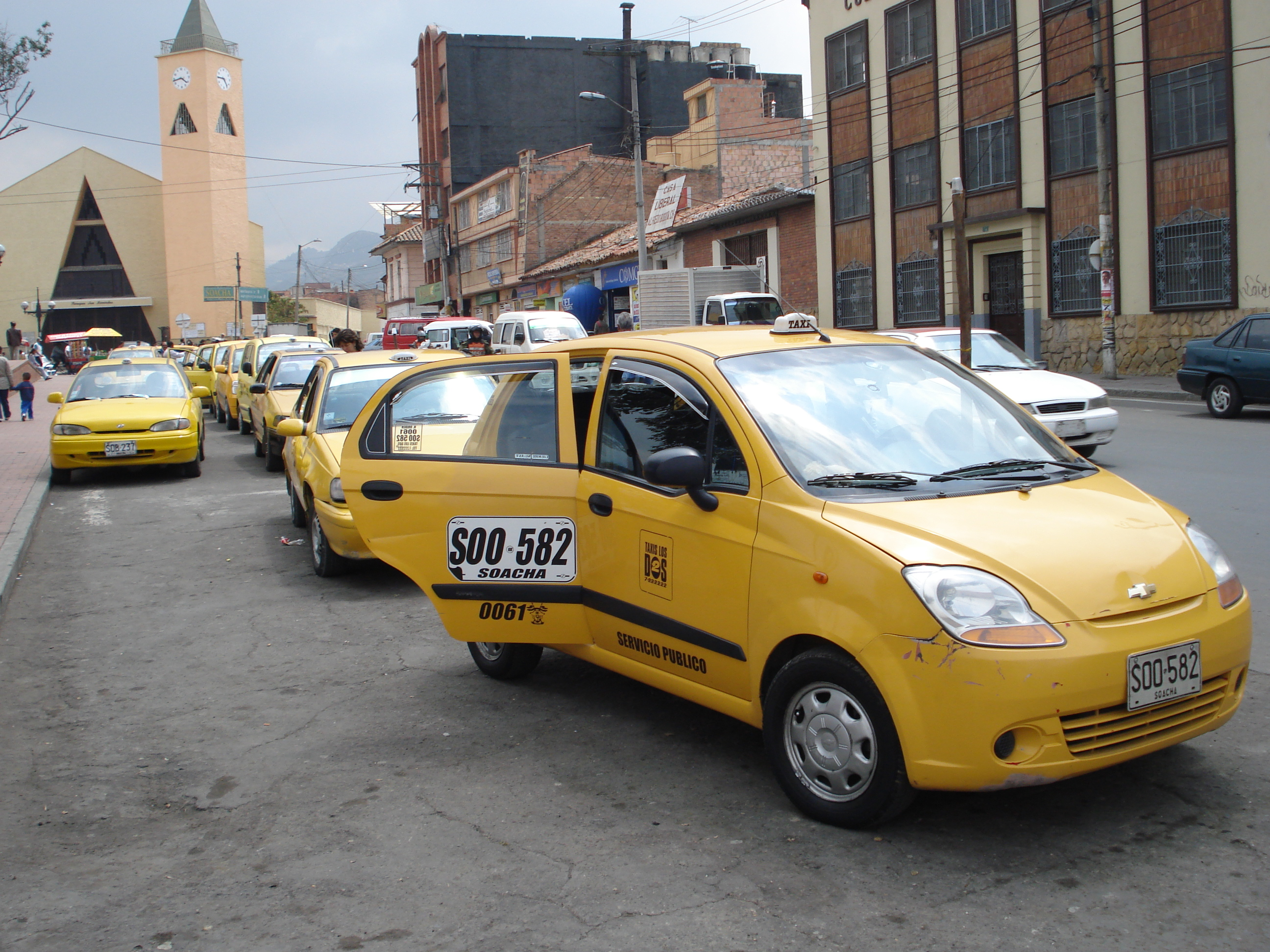 El alcalde mayor de Bogotá no ha firmado el convenio que permite la libre movilización de los taxistas