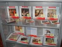 Propuesta de una nueva biblioteca municipal, calendario cultural y libro recomendado para este mes