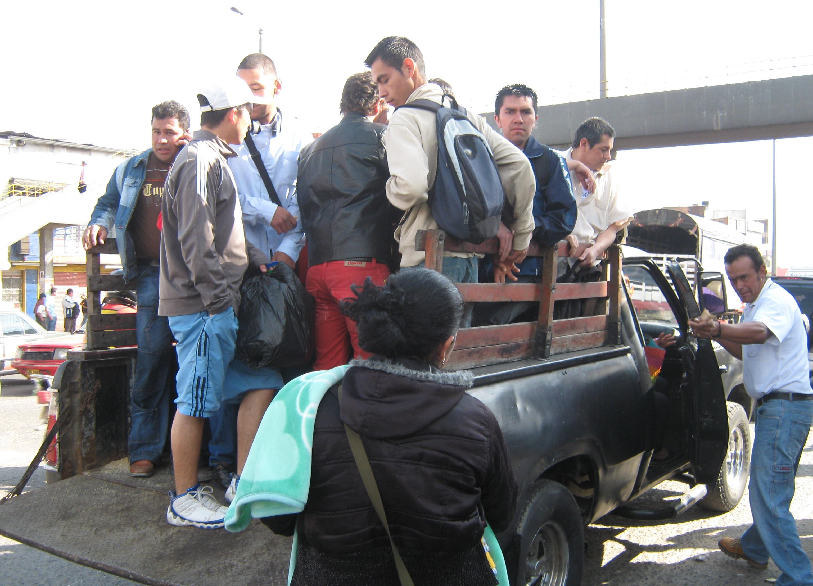 Racimos humanos en Soacha por paro de transporte
