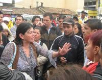 Choque entre policía y vendedores ambulantes ocasionó zozobra en la alcaldía