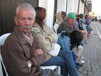 Un encuentro matutino entre pensionados y la Dirección de Transporte