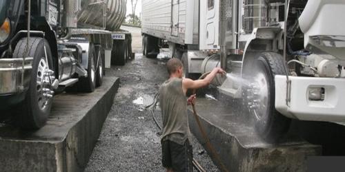 Municipio pondrá en cintura a quienes laven y arreglen vehículos en andenes y vías