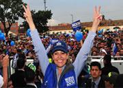 Bajo la lluvia Noemí  Sanín cerró su campaña en Soacha