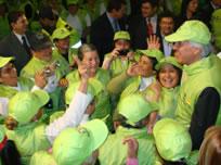 Se gradúan «viejitos verdes» en Bogotá