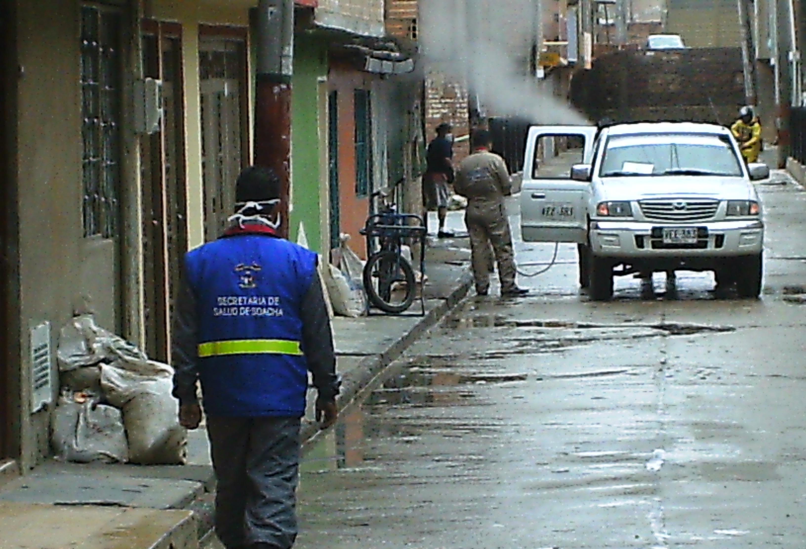 Fumigaciones y control de plagas en los sectores afectados por las inundaciones