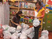 Fundación Gens Mundi entrega ayudas a damnificados y personas vulnerables