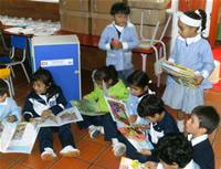 Instituciones educativas de la comuna uno recibieron dotación de libros y bibliotecas