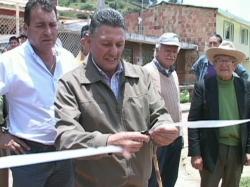 Se entregó el adoquinamiento de una calle en el sector de Chacua