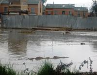 Un 'pantano' en el barrio Prado Los Rosales