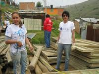 110 viviendas de emergencia se construyeron el fin de semana en Altos de Cazucá