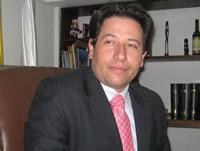 El aval  es para Luis Fernando Escobar