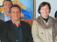 Alcaldía de Soacha y Acnur firman acta de entrega de aulas en la comuna seis