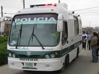 Alcalde de Soacha entrega CAI móvil para vigilar  la comuna seis