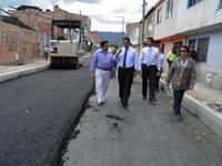 Después de 25 años llegó el pavimento al barrio San Miguel de Zipaquirá