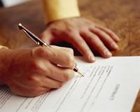Superfinanciera ordena eliminar cláusulas abusivas y brindar más información