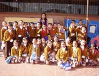 Niños empresarios en el Colegio San Deyc