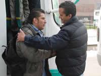 Súbase  al bus  ganador con Saldarriaga  alcalde, 'para refrescar la política'