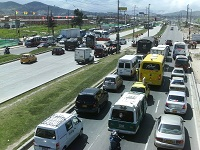 Restringir trafico pesado por la autopista sur sugiere Álvaro Cruz