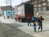 Los camiones de Espumados S.A tienen 'invadida' a la comunidad del barrio El Salitre