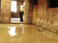 Habitantes de La María están 'ahogados' por las aguas residuales