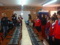 Alcalde de Madrid entregó 312 computadores a colegios oficiales