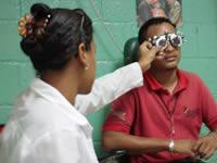Habitantes de Fusa acuden a  jornadas de salud