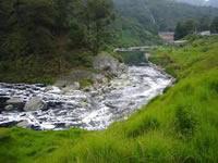 Jóvenes de Soacha invitan a caminar por el río Bogotá