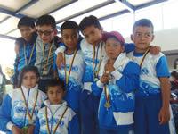 Destacada participación municipal en festival infantil de natación