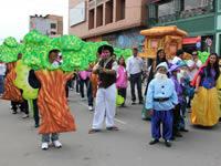 Multitudinario desfile en el cierre del mes del niño