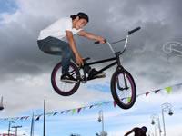 Con música y deportes extremos jóvenes se tomaron el Parque Alfonso López
