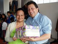 Con eucaristía, asado y regalos, médico Oswaldo Córdoba celebró Día de las madres