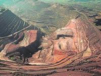 Crece polémica sobre los impuestos a empresas mineras