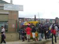 Plantón en colegio Julio César Turbay por amenazas al rector