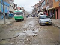Calles en mal estado continúan afectando al   barrio León XIII