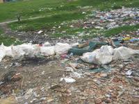 Droga, escombros e inseguridad por culpa de un puente en Olivos IV