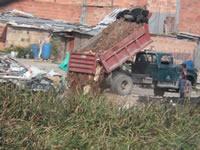 Humedal Tierra Blanca  es utilizado como botadero de escombros