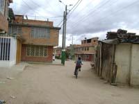 En Villas de Santa Isabel se construyó casa en plena vía pública