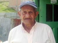 Abuelo afectado por incendio busca apoyo para construir su vivienda