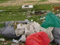 Basura y escombros invaden entrada al barrio Tabacal