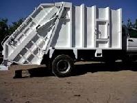 Municipios recibirán vehículos compactadores