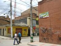 En San Luis se 'dan la pela' para asegurar el barrio