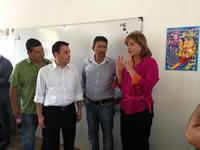 Ministra de educación entregó aulas provisionales en Útica