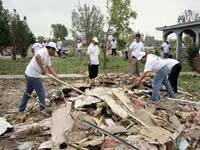Maestros y ayudantes de obra de Bogotá reciben clases ambientales