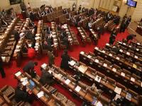 Polémica por prima de ocho millones para congresistas